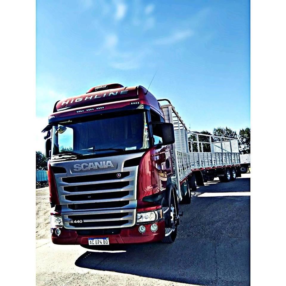 Brilla el Scania bajo el sol