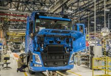 Camión Volvo en fabricación