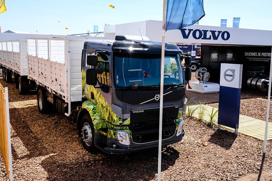 Volvo VM 330 ideal para el agro