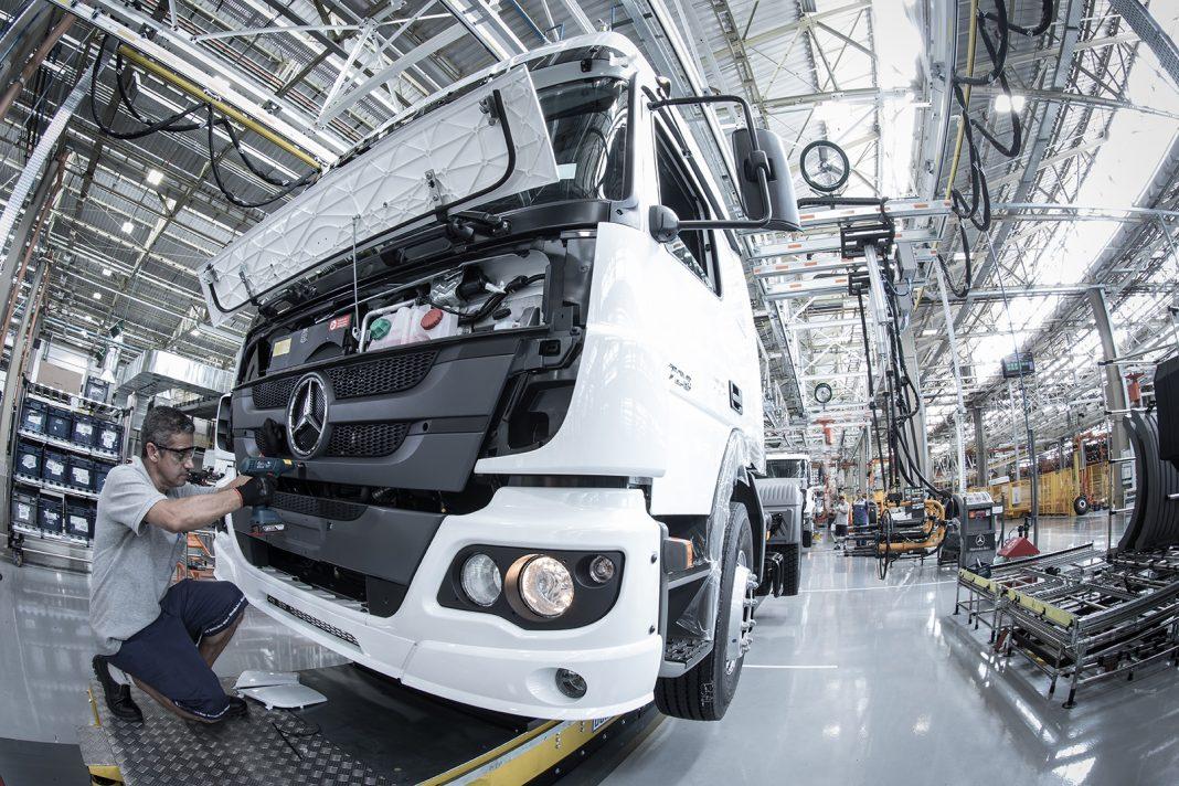 Mercedes Benz ofrece una producción flexible