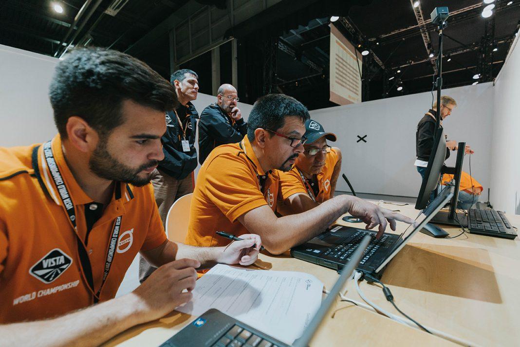 El equipo nacional trabajando a pleno en la semifinal del VISTA