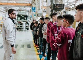 CNH Industrial va a la escuela