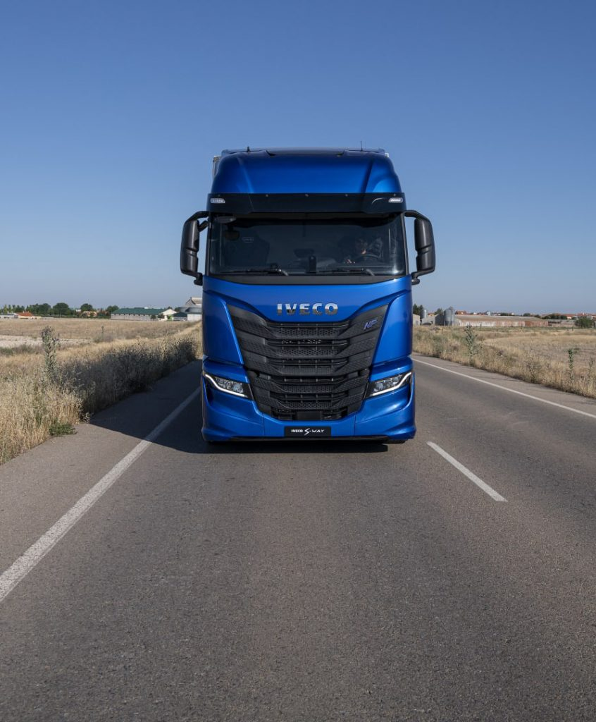 s-way-iveco-frontal