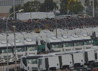 camiones parados iveco