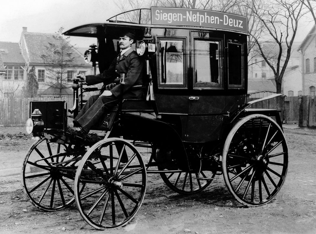 125 años del bus de Mercedes Benz