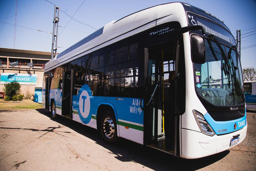 Córdoba prueba buses a GNC de Scania Argentina