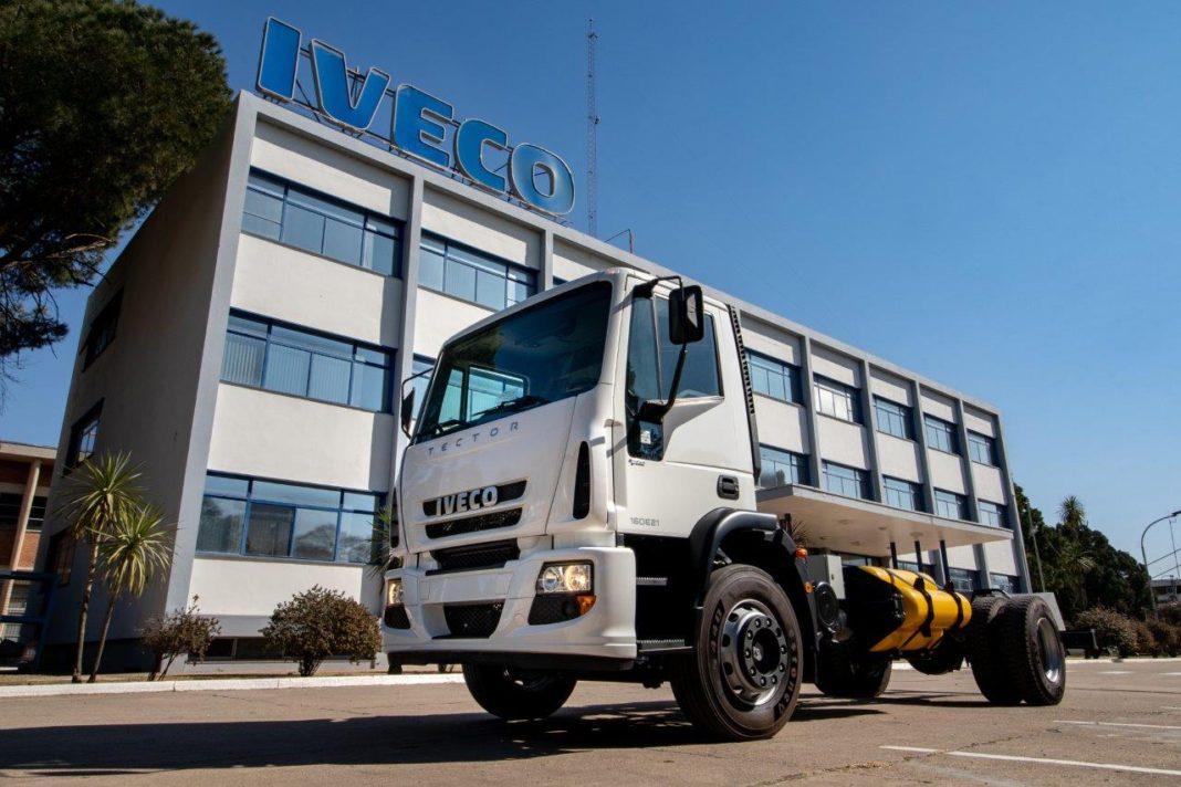 Ya fabrica IVECO el Tector a GNC