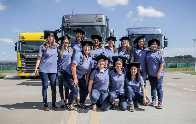 Conductoras Scania Egresadas
