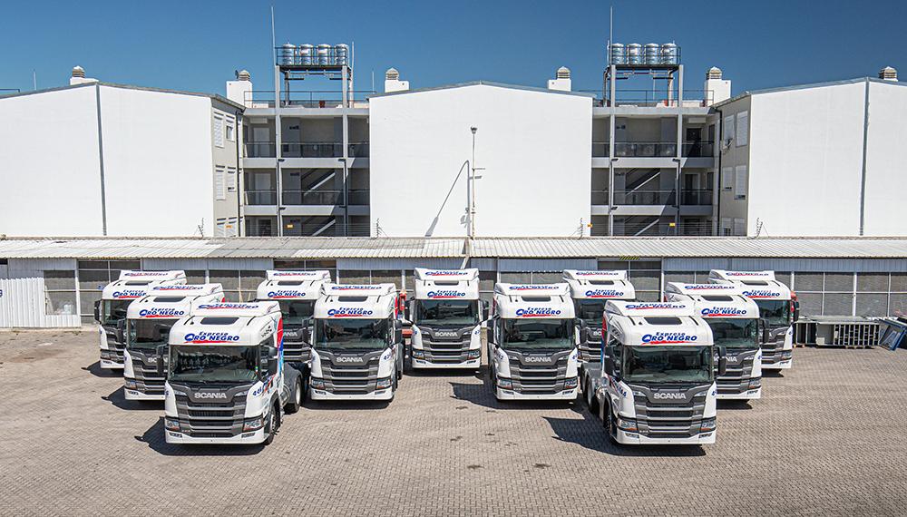 Expreso Oro Negro entrega de unidades Scania 0 Km