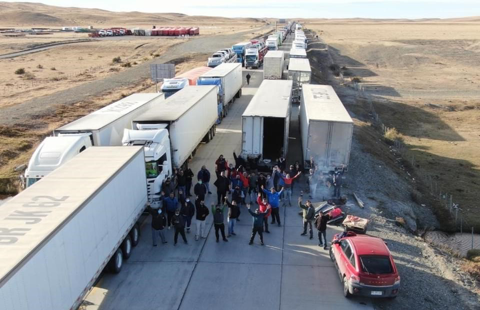 Protesta chilena por camioneros varados en Neuquen