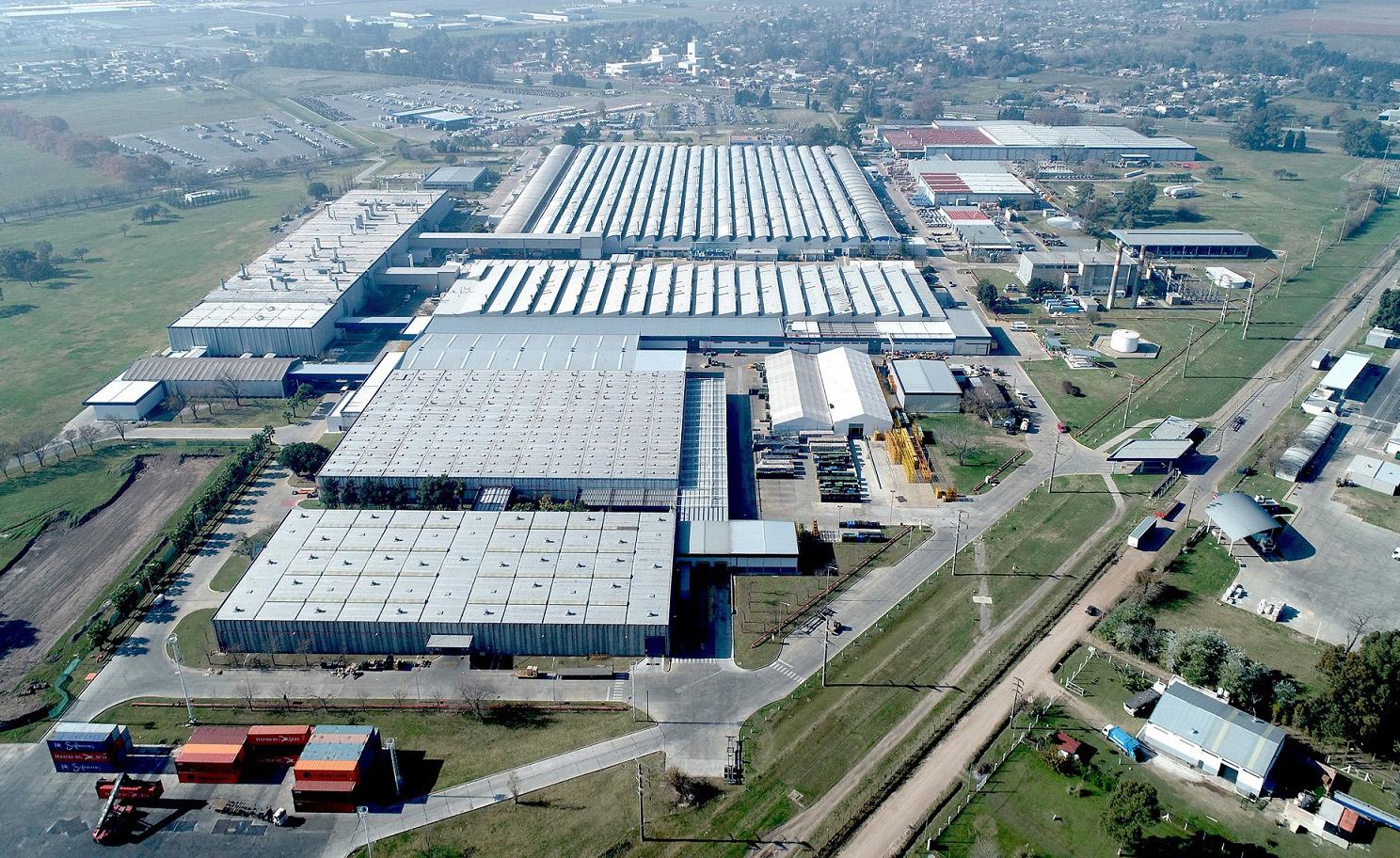 70 años de Mercedes-Benz Centro Industrial Juan Manuel Fangio