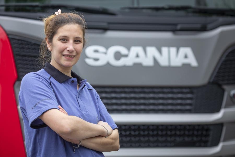 Crecen-las-mujeres-en-el-transporte-Conductoras-de-Scania